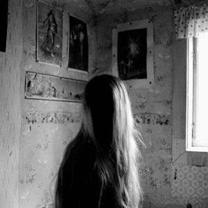 Anna Von Sleeve